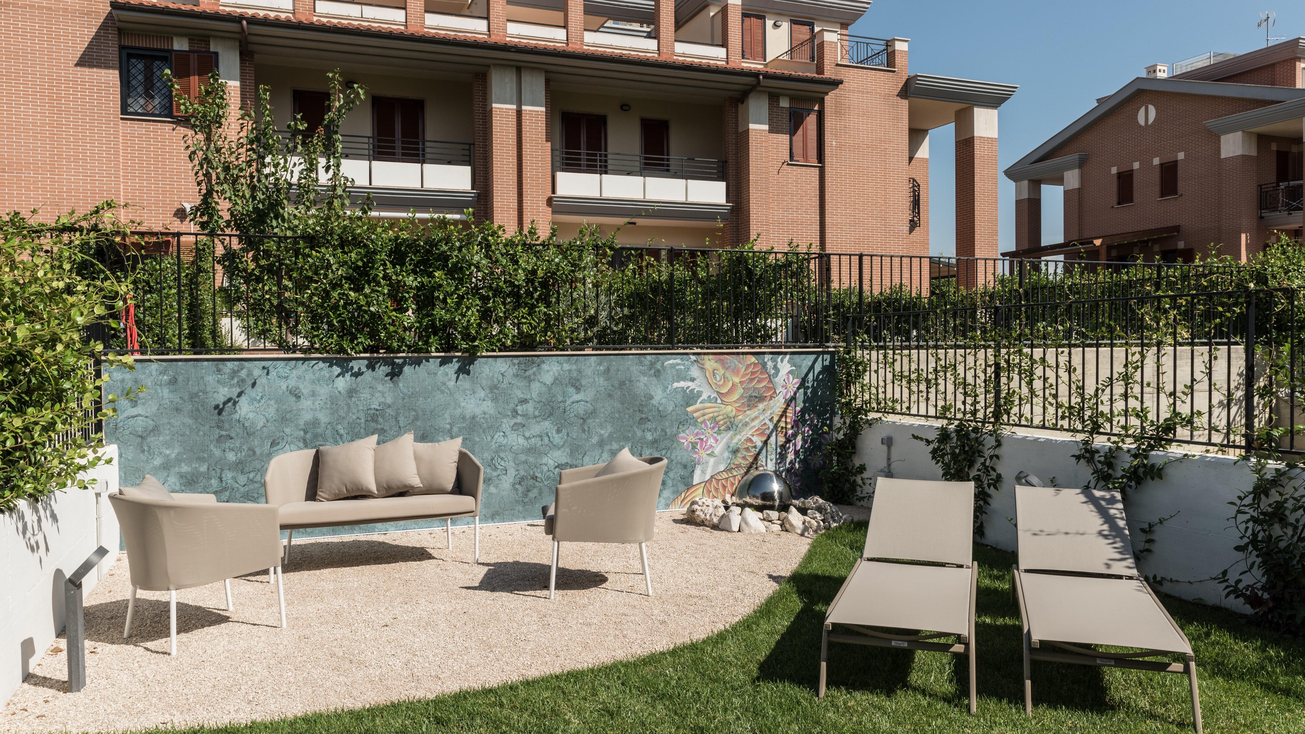 Carta Da Parati Roma progetto: un giardino con carta da parati da esterno | abito